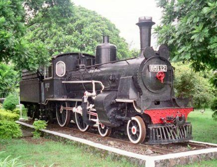 Lokomotif bermesin uap yang ada di Museum Kereta Api Ambarawa.